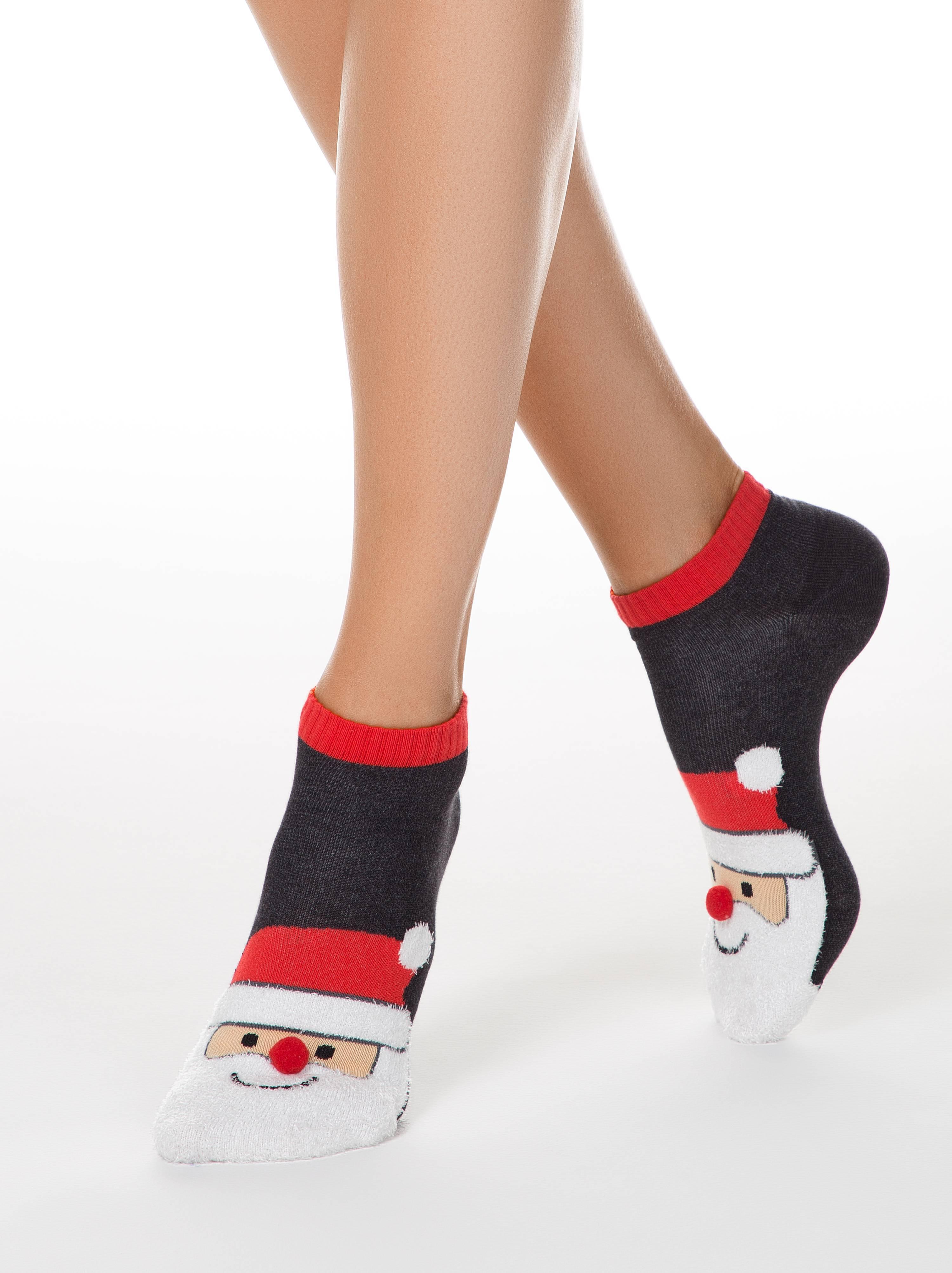 """Носки женские ⭐️ Женские короткие новогодние носки """"Санта-Клаус"""" с пушистой нитью и помпоном ⭐️"""