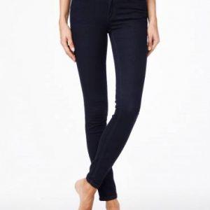 Джинсы женские моделирующие ⭐️ Моделирующие джинсы Skinny со средней посадкой 623-100R ⭐️